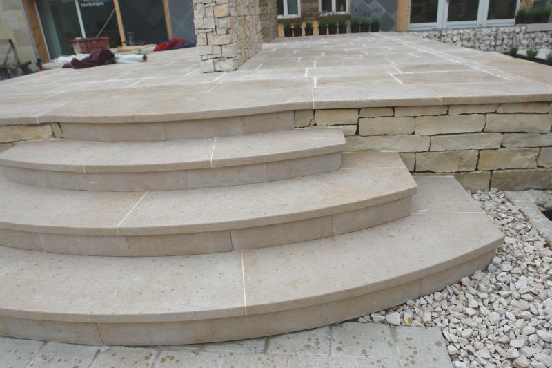Qui sommes nous eberhart votre fournisseur de pierre for Peindre escalier travertin